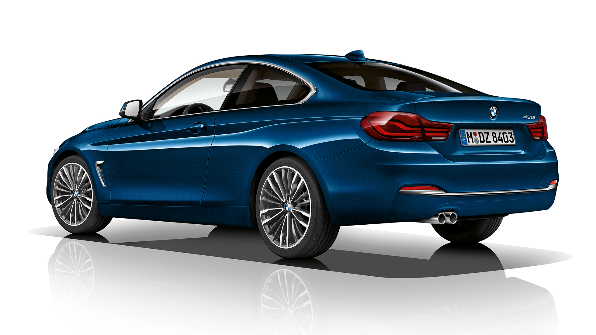 BMW 4 Series Coupé, Model Luxury Line three-quarter rear shot